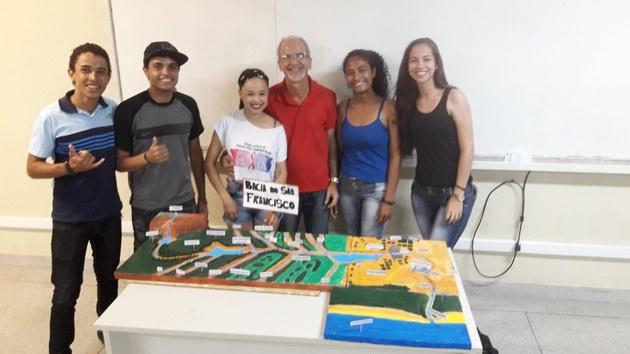 Bacia do Rio São Francisco- Alunos do 4º período de Geografia