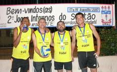 Equipe dos terceirizados campeã na modalidade vôlei de areia.